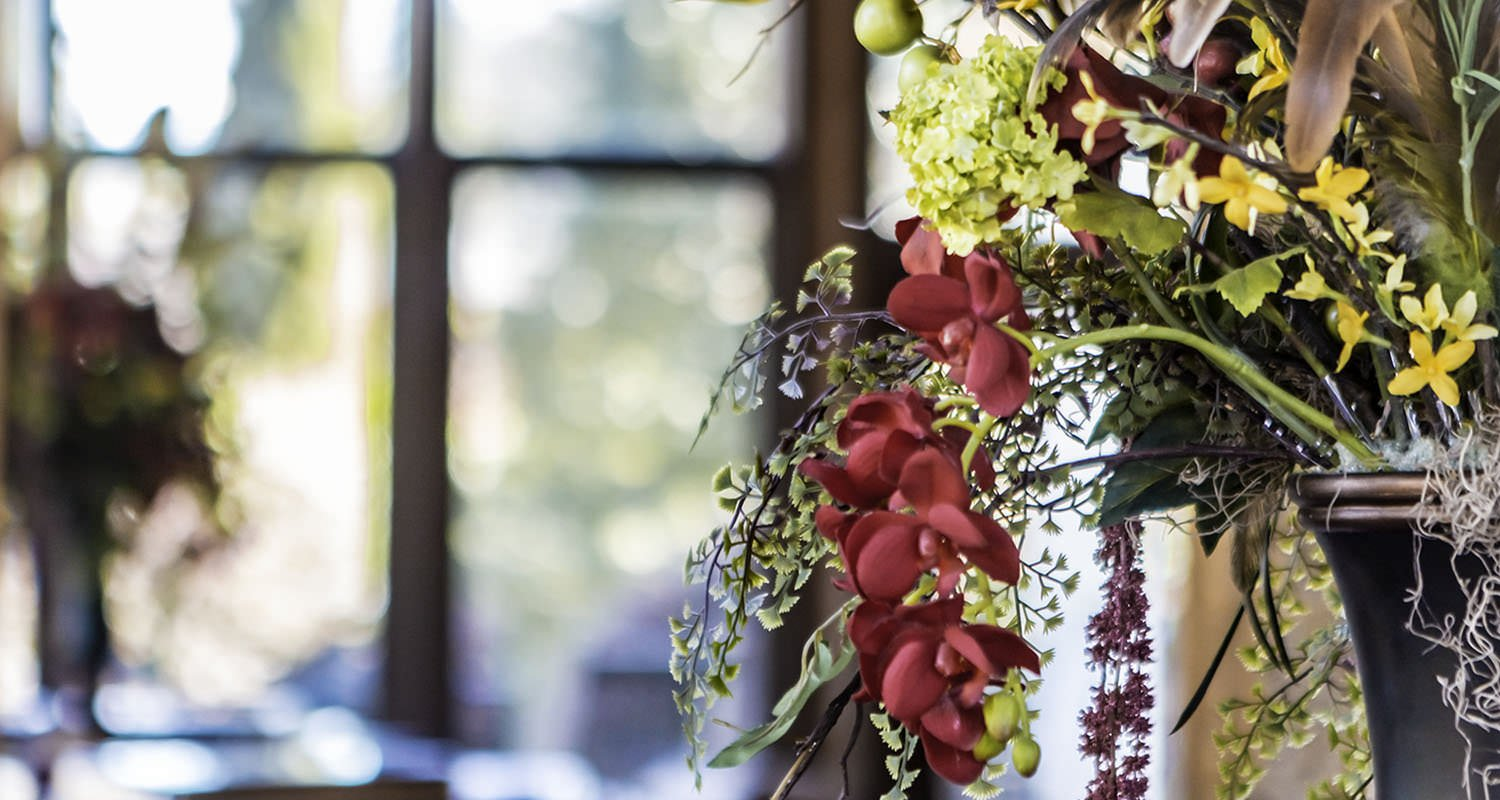 Wedding flower arrangement | Raleigh wedding photographer