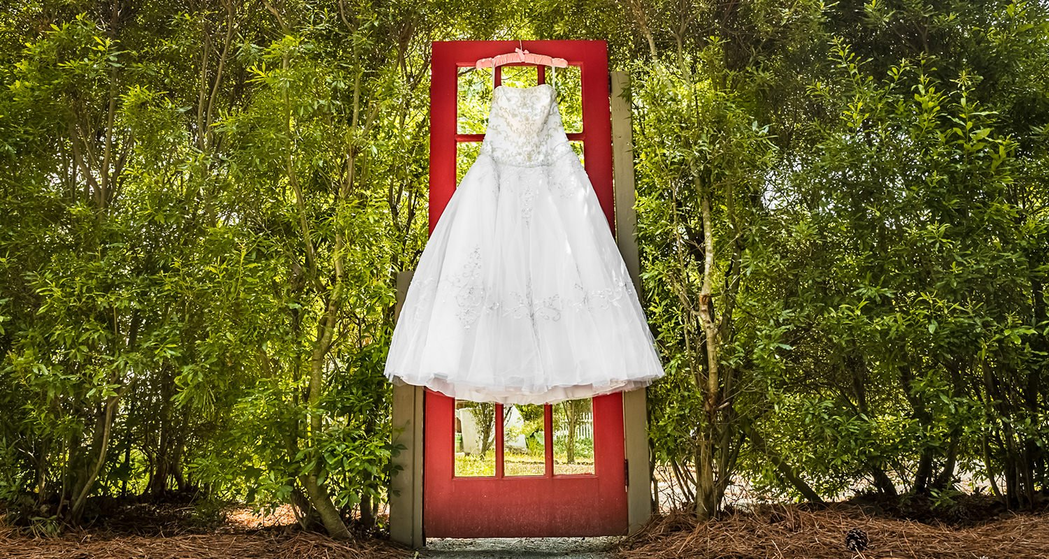 Wedding dress ranging outside | Raleigh wedding photographer
